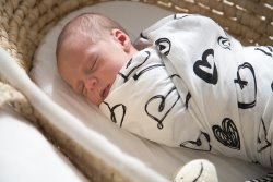 rapt by Bellies and Beyond babywrap black hearts